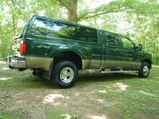 2002 Ford F-350Lariat Crew Cab Pickup 4-Door